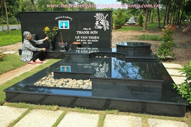 [Hình ảnh] Phần mộ của nhạc sĩ Thanh Sơn tại Hoa viên Nghĩa Trang Bình Dương   Thanh Sơn & Những sáng tác để đời